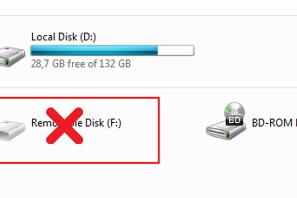 شناسایی نشدن درایو USB در لپ تاپ